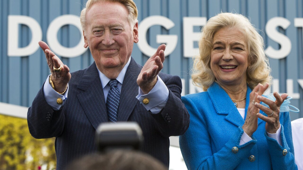 Vin Scully, Sandra Scully