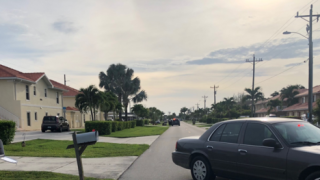 Man barricaded with gun inside Cape Coral apartment