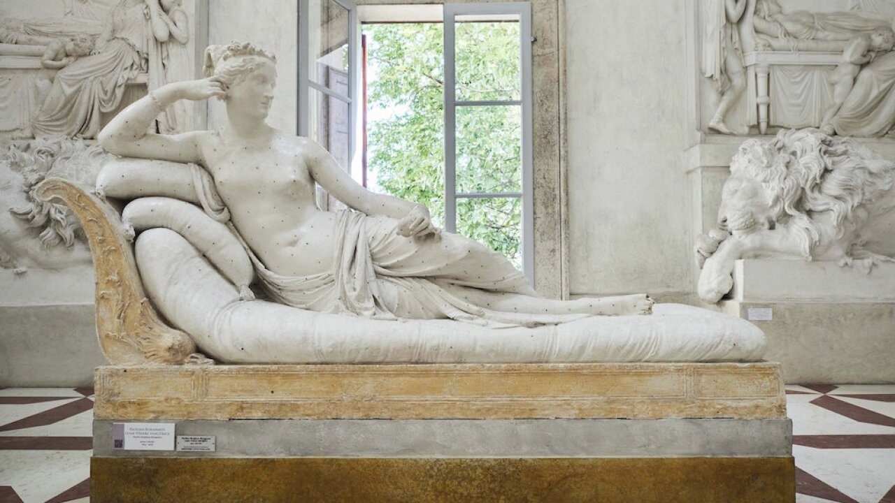 Austrian tourist accused of breaking toes off statue in Italian museum, police say
