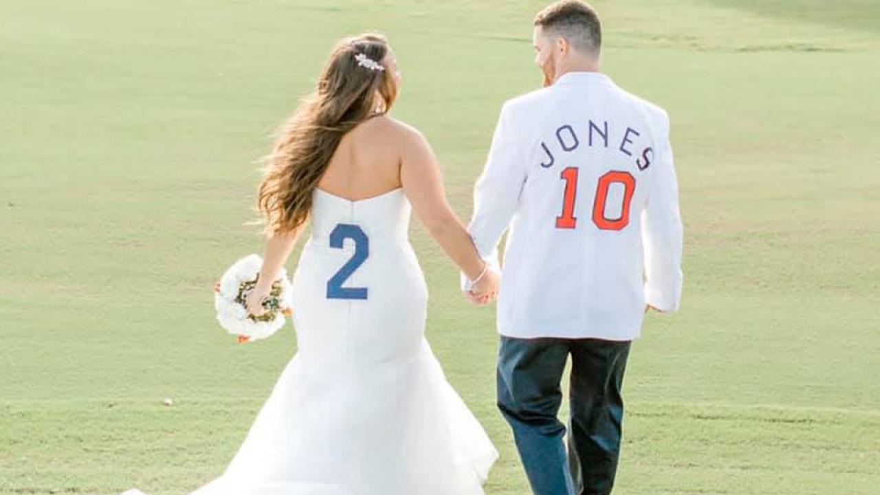 baseball-wedding9.png