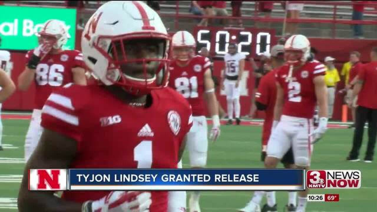 Tyjon Lindsey granted release from Nebraska
