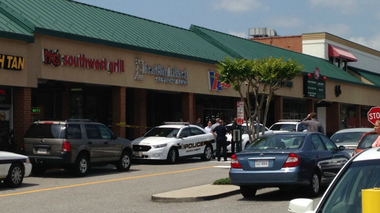 Suspect at large after West End carjacking, bankrobbery