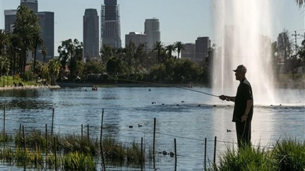 Records fall as winter heat wave hits Calif.