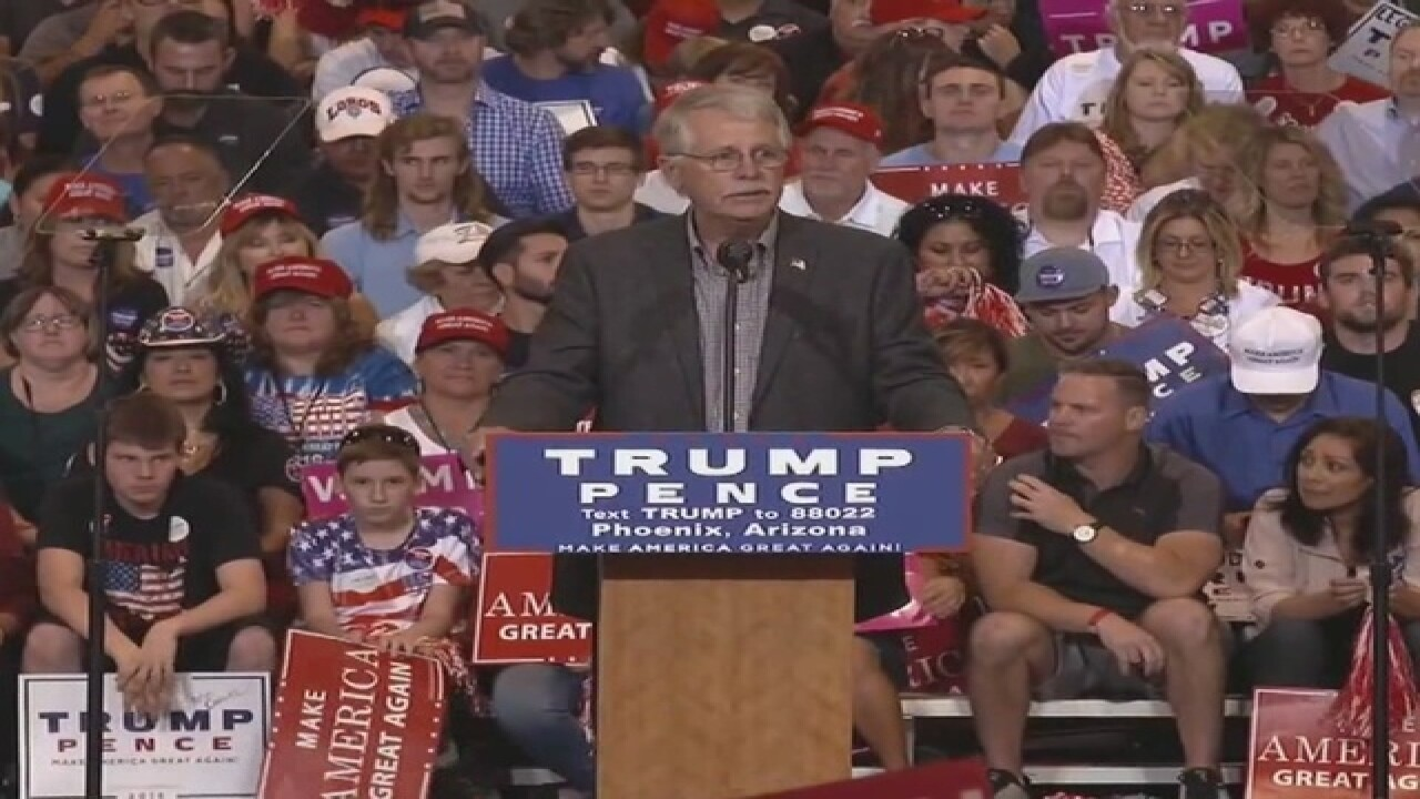 VIDEO: Dad of Kayla Mueller talks at Trump rally
