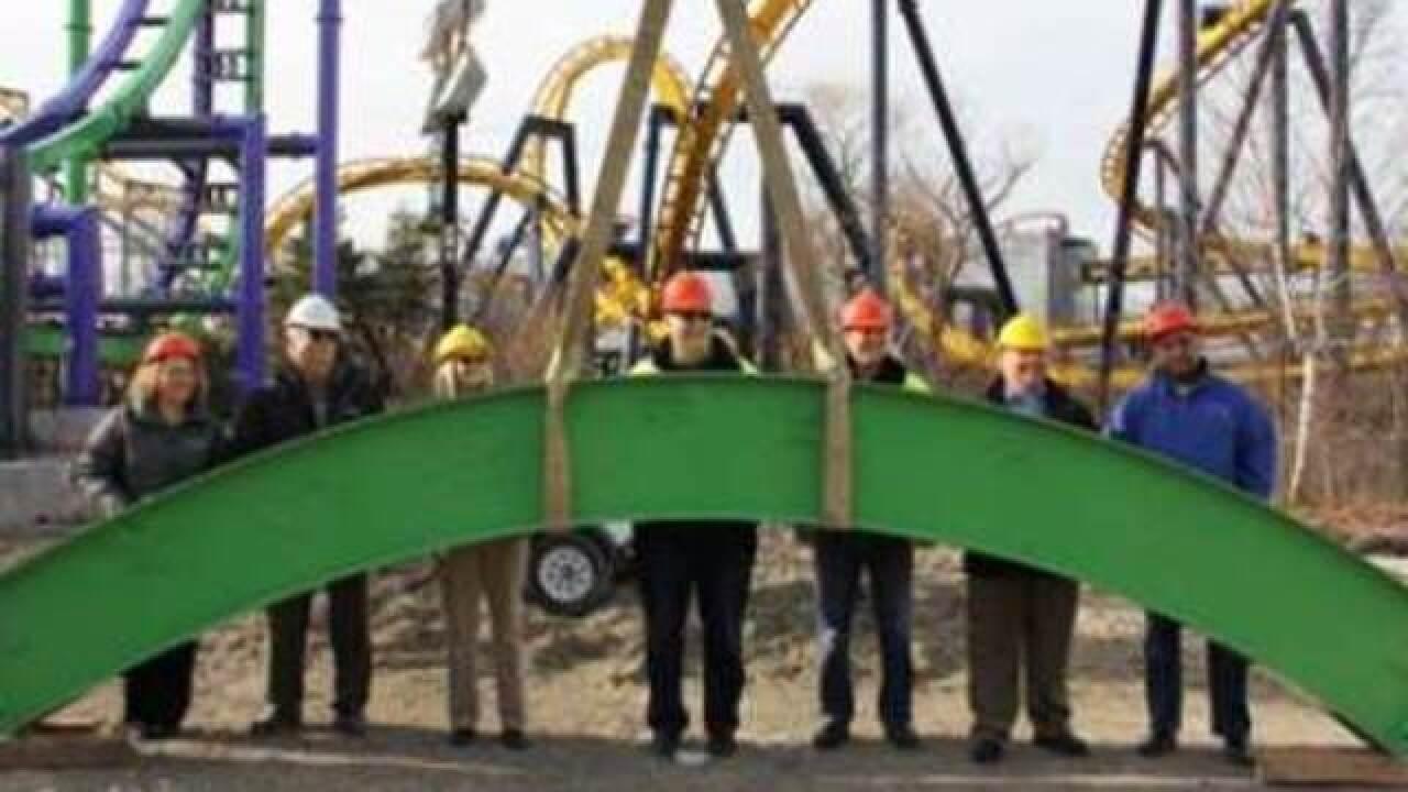 Six Flags Great America Installs Final Piece Of New Roller Coaster The Joker