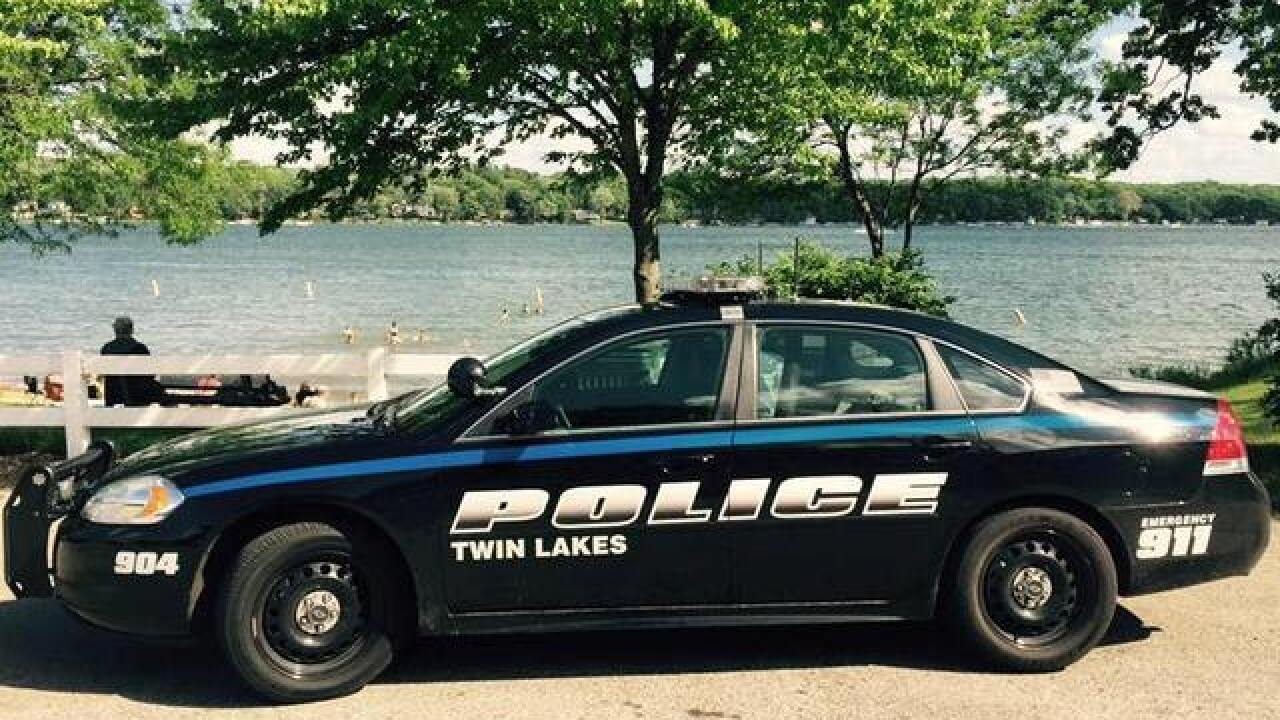 Toddler, woman drown in Twin Lake
