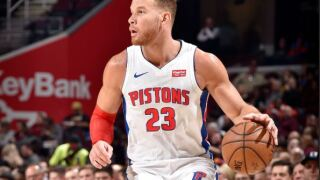 Blake Griffin undergoes successful knee surgery; no timetable for return