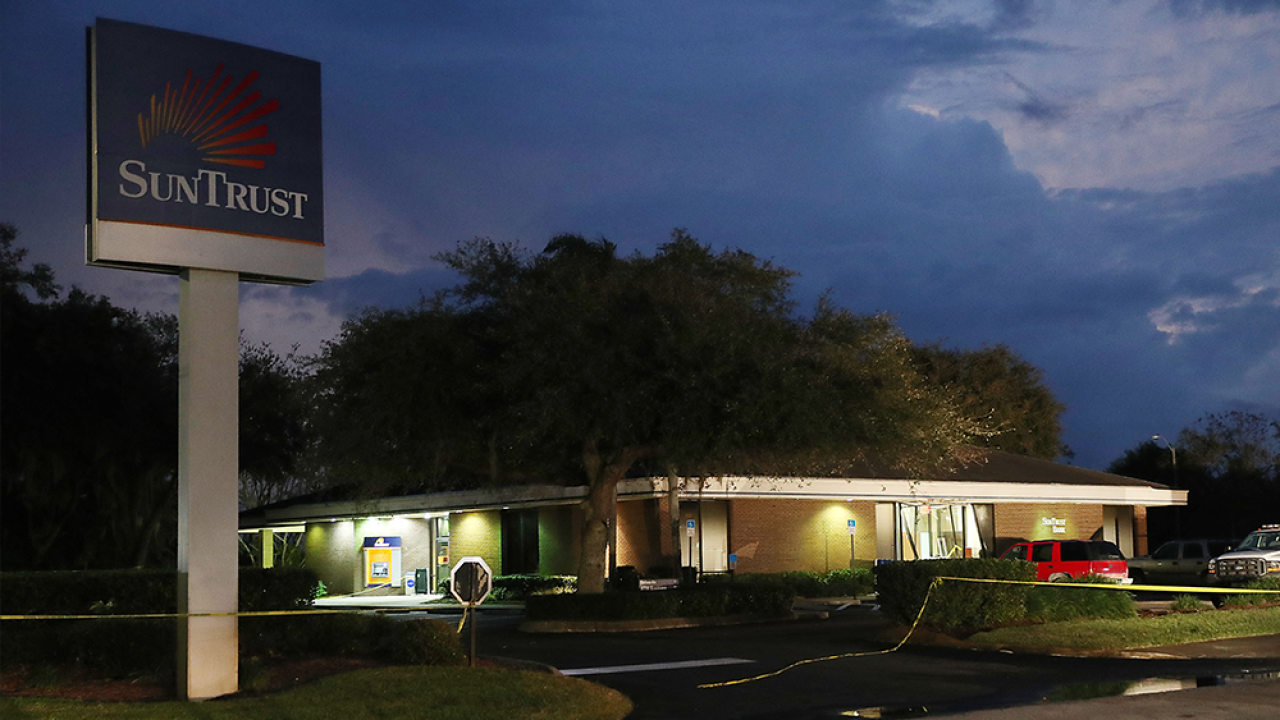 SunTrust branch in Florida where five women were killed will not reopen