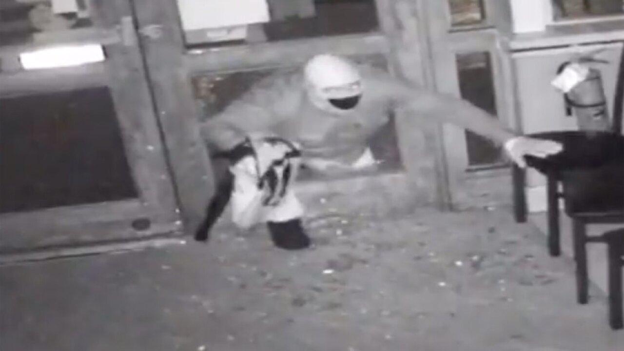wptv-kingdom-buffet-burglary-suspect-.jpg