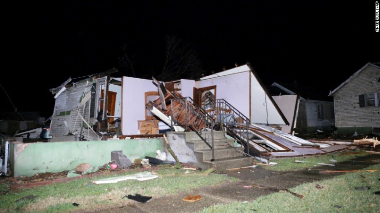 22 tornadoes rip through the Midwest; 3 people killed