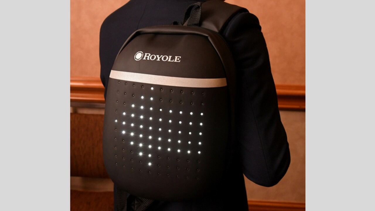This smart backpack works as a safety signal for cyclists
