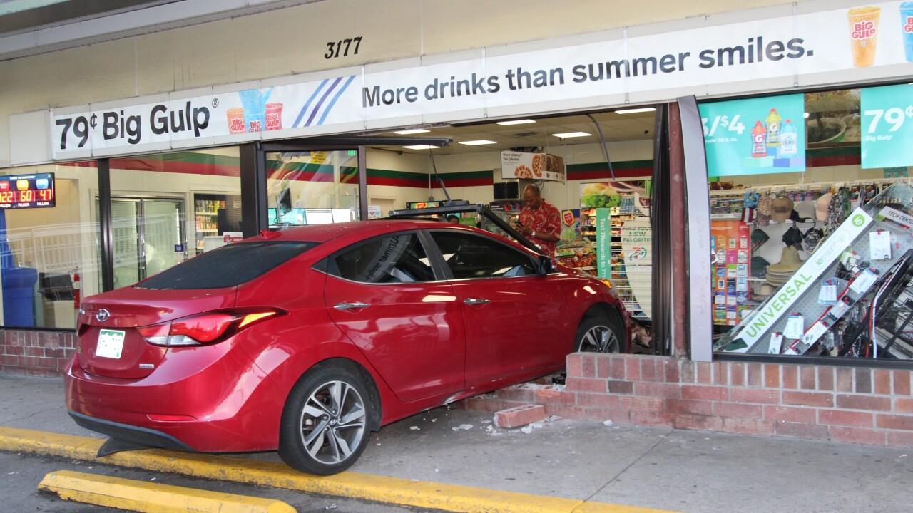 Car into 7-Eleven 2