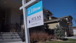 Homeowners forgo real estate agents, sell through Zillow