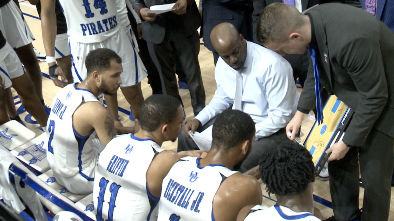 Hampton University men's hoops picks up conference win in overtime