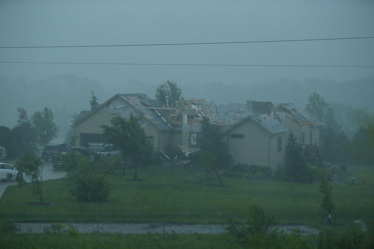 Tornado-Lawrence