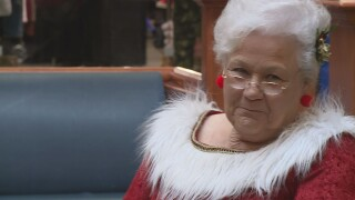 Mrs.Claus at Bay Park Square Mall 2019 closeup.jpg