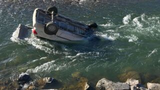MHP Montana trooper rescues woman from partially-submerged car in Yellowstone River