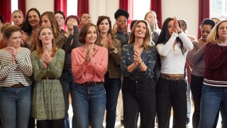 Kristin Scott Thomas sings with choir in scene from 'Military Wives'