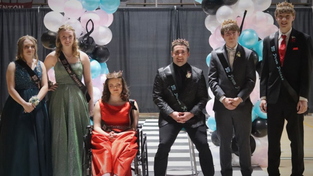 Fort Benton students celebrate with 50s-theme prom