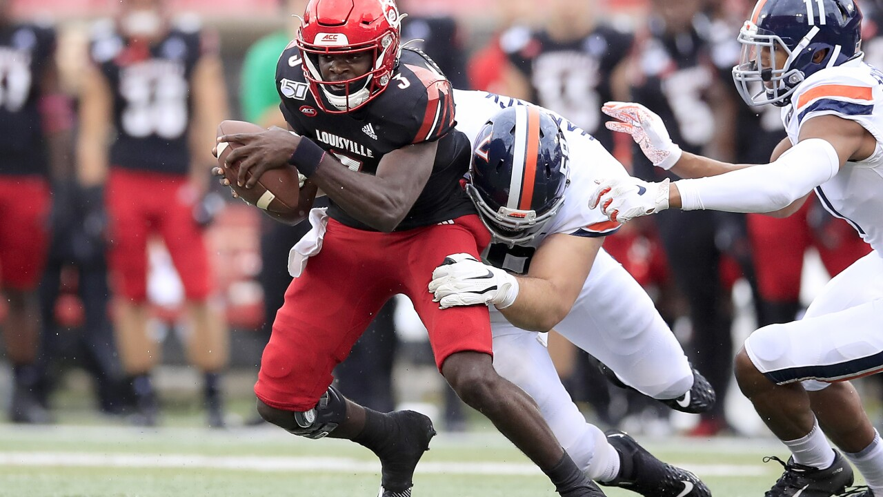 UVA football suffers close loss to Louisville, 28-21