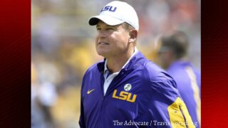 LSU reaches settlement over contract with Les Miles