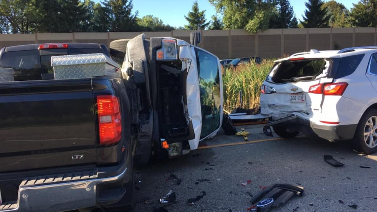 Chain reaction crash involving seven vehicles closed part of