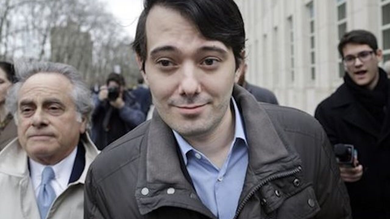 Martin Shkreli auctioning the opportunity to punch him