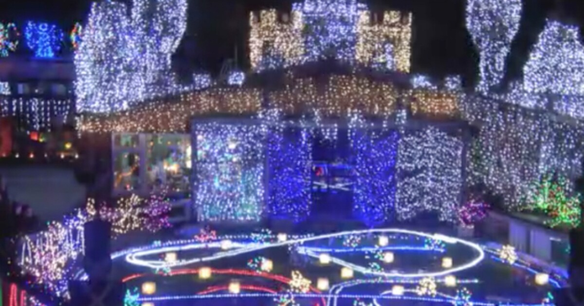 List Where To Go To See Spectacular Holiday Light Displays Around Metro Detroit