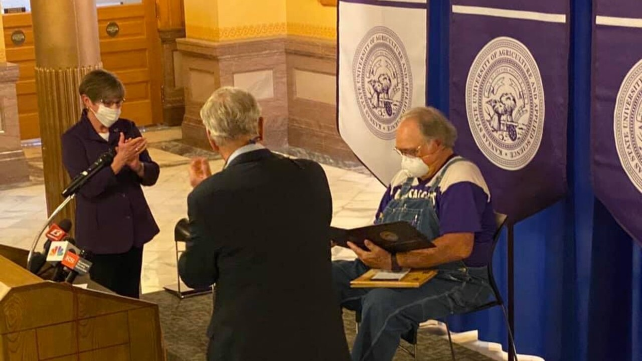 Retired farmer who sent Cuomo mask receives degree from Kansas State