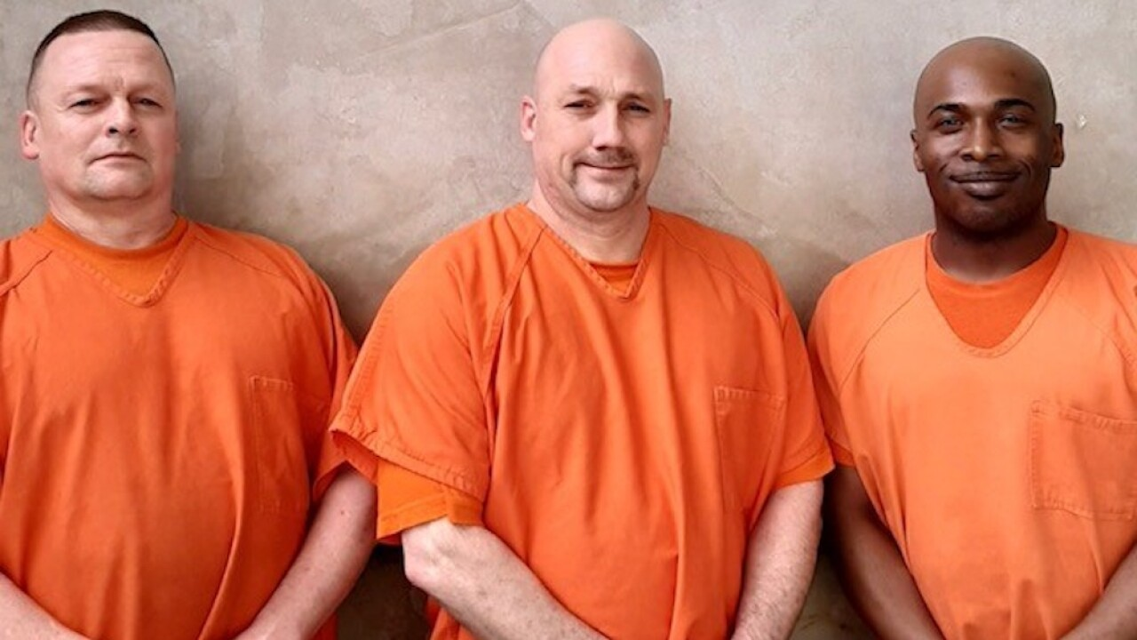 Inmates at Georgia jail hailed as heroes for saving deputy's life