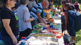 Spreading Smiles and Sandwiches to those who experience homelessness