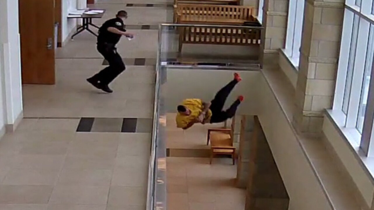 Security cameras capture man throwing himself off second floor of Spanish Fork courthouse