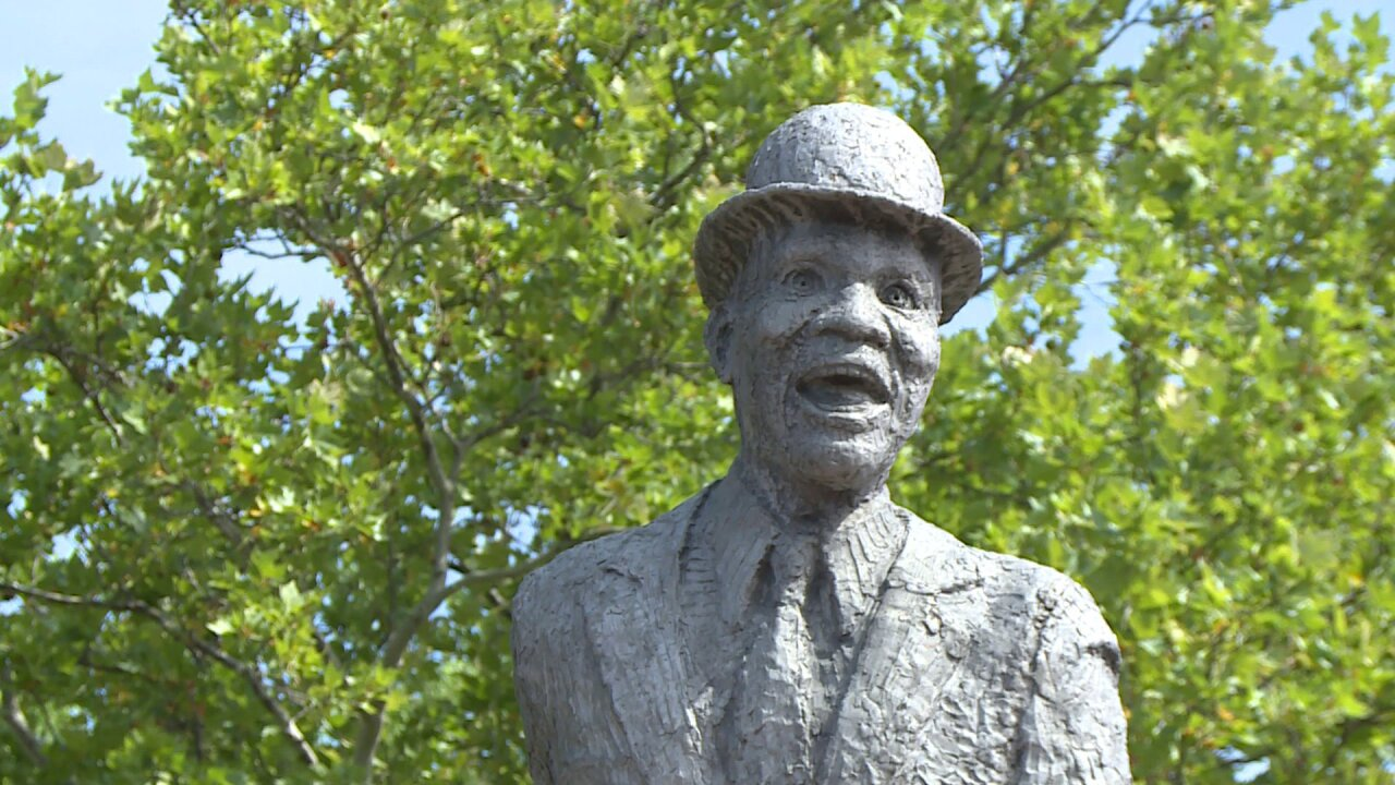 Bill 'Bojangles Robinson, world's greatest tap dancer, honored at Richmond statue