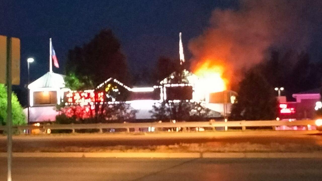 Grandville Texas Roadhouse fire - Robin Nae Veldman.jpeg
