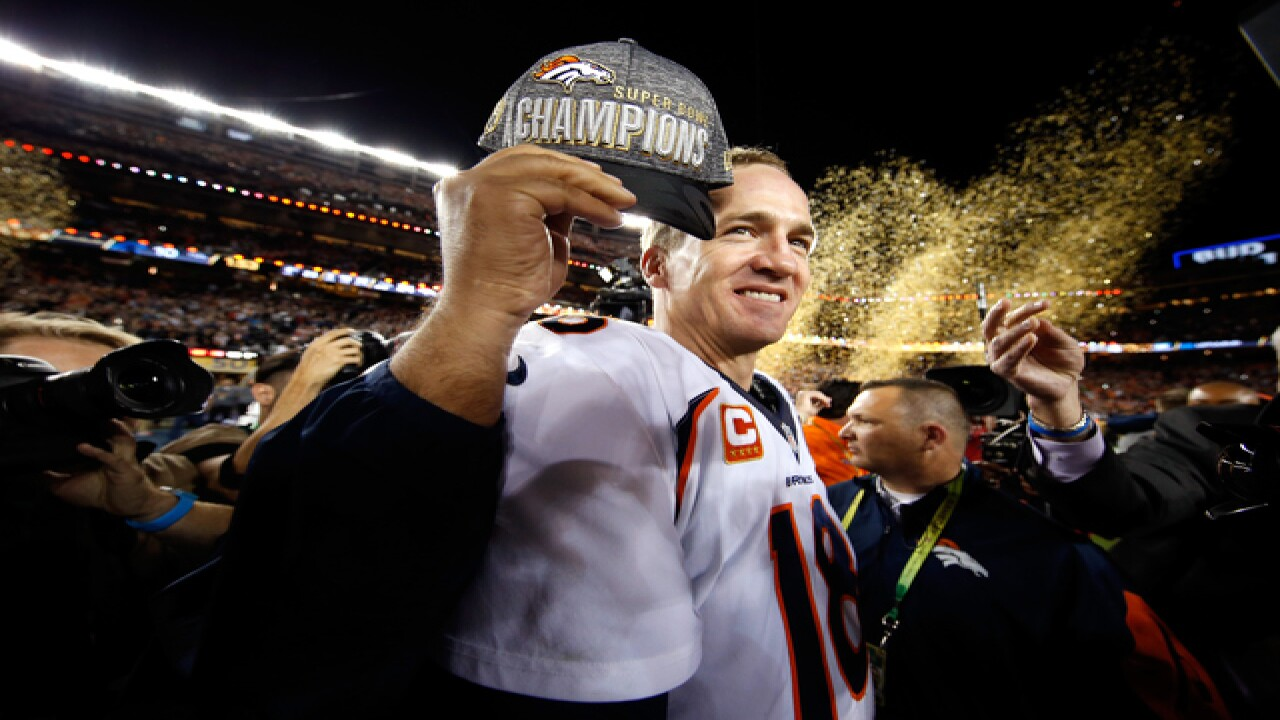 Why was there an error on Manning's hat at SB50?