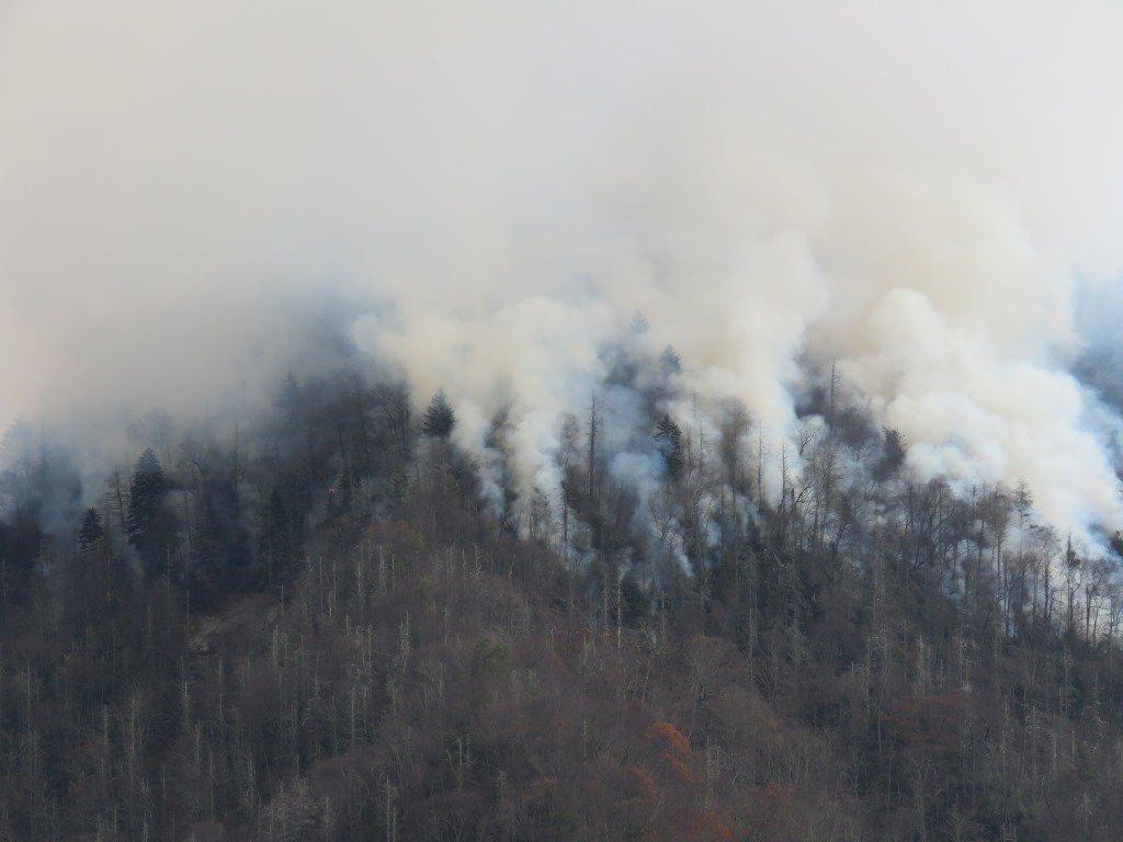 Photos: Gatlinburg fires appear to destroyresorts