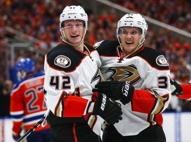 Ducks beat Oilers 6-3 in Game 3