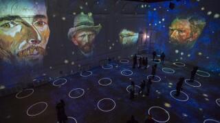 Immersive Van Gogh Chicago 1 - Photo Credit Michael Brosilow..jpg