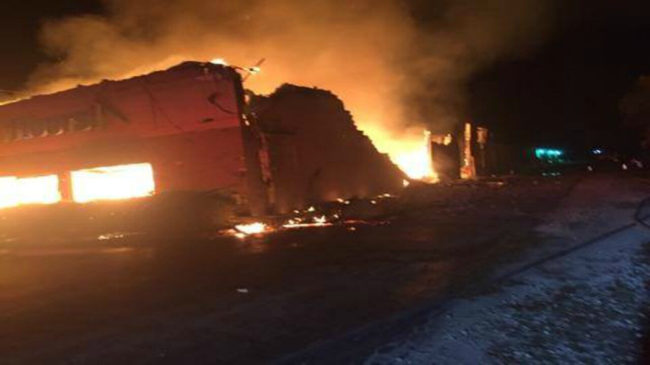 Huge fire in Homosassa closes US 19