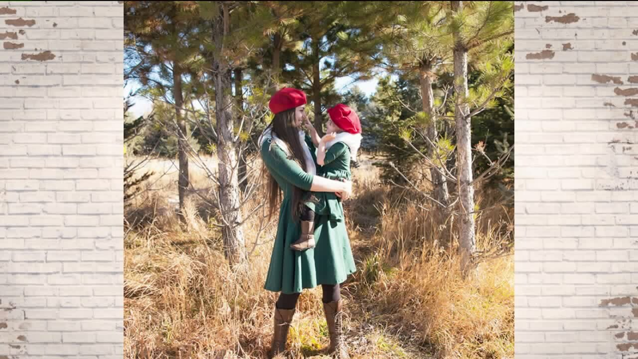 Vintage style full-skirt dresses for mothers anddaughters