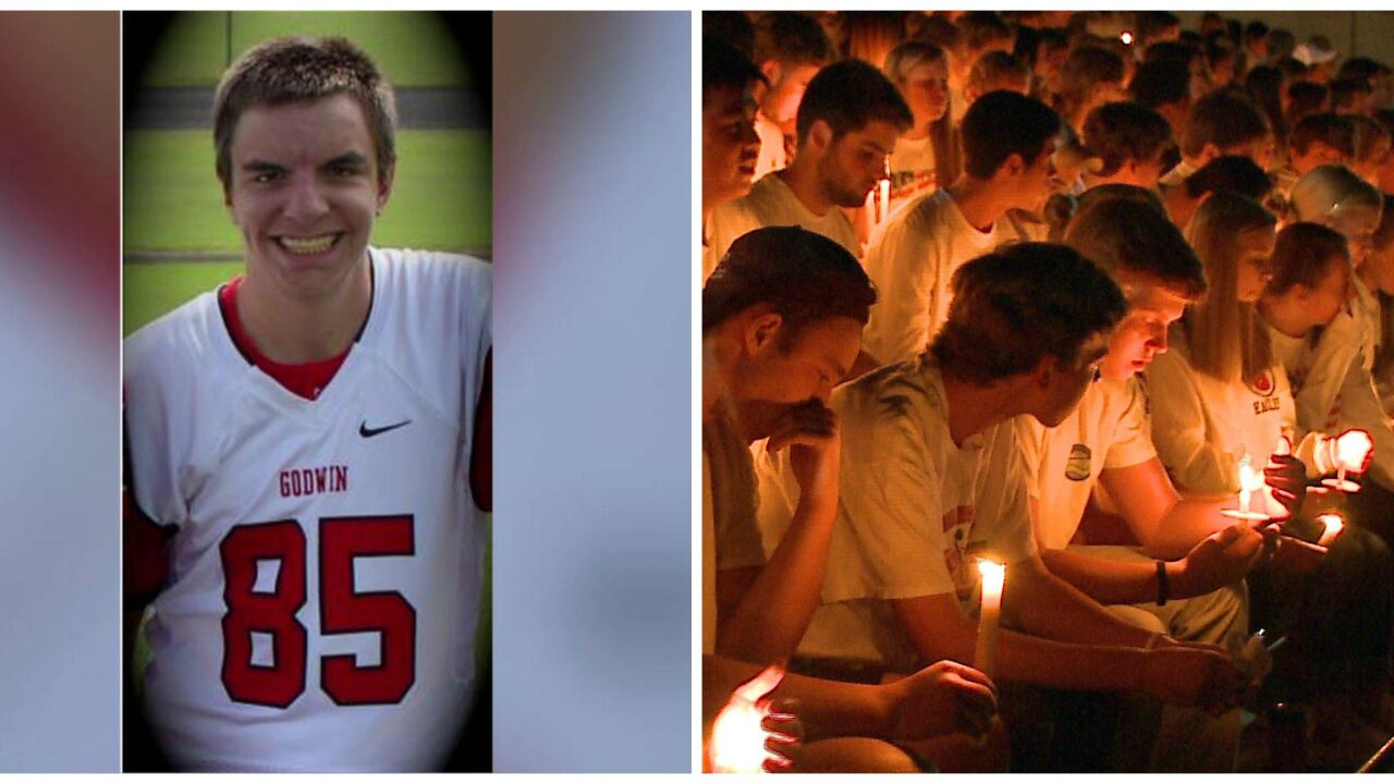 Candlelight vigil at Mills Godwin honors teen killed in NC surfingaccident