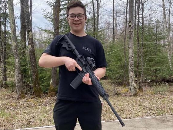 A photo of 17-year-old Kyle Rittenhouse posted on Tik Tok