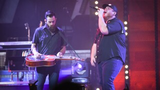 Luke Combs added as County Thunder Wisconsin headliner