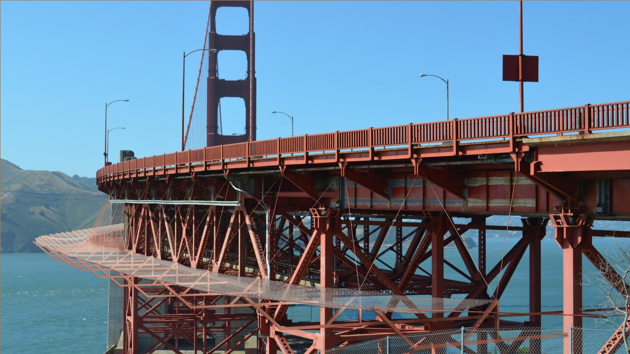 Suicide prevention net aims to save lives on Golden Gate Bridge