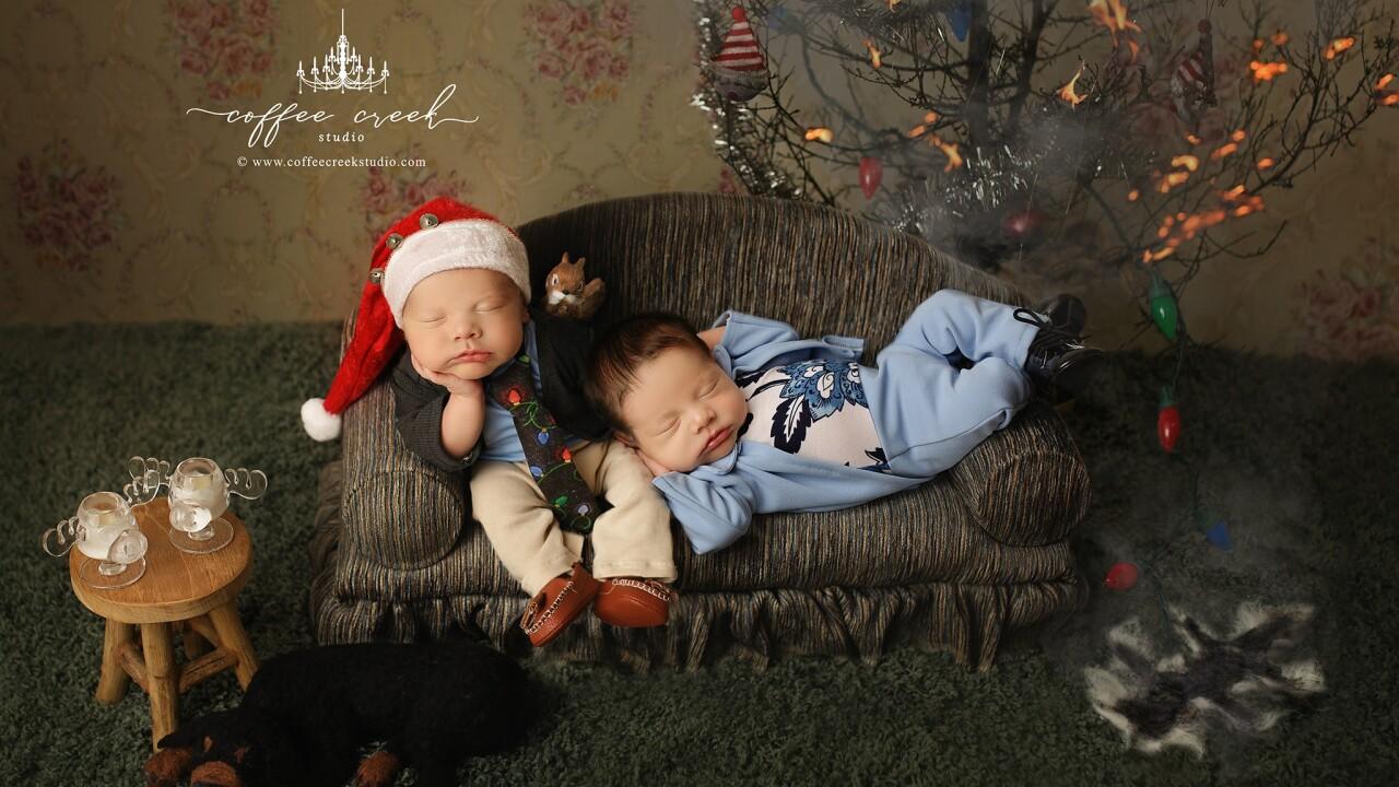 Photographer celebrates holidays early with 'Christmas Vacation' photo shoot starring newborns