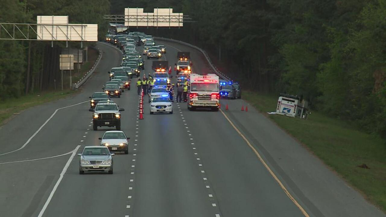 Mail truck driver killed in rollover crash on I-295