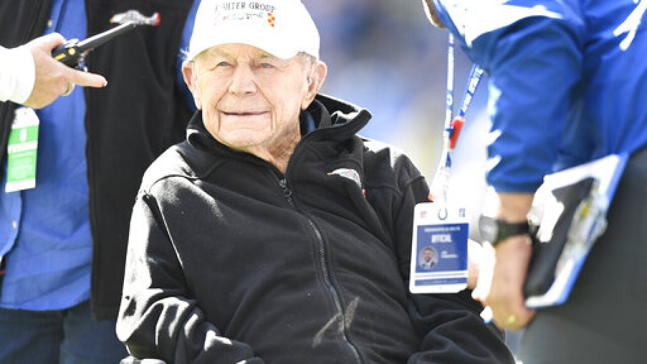 Famed fighter pilot Chuck Yeager dead at age 97