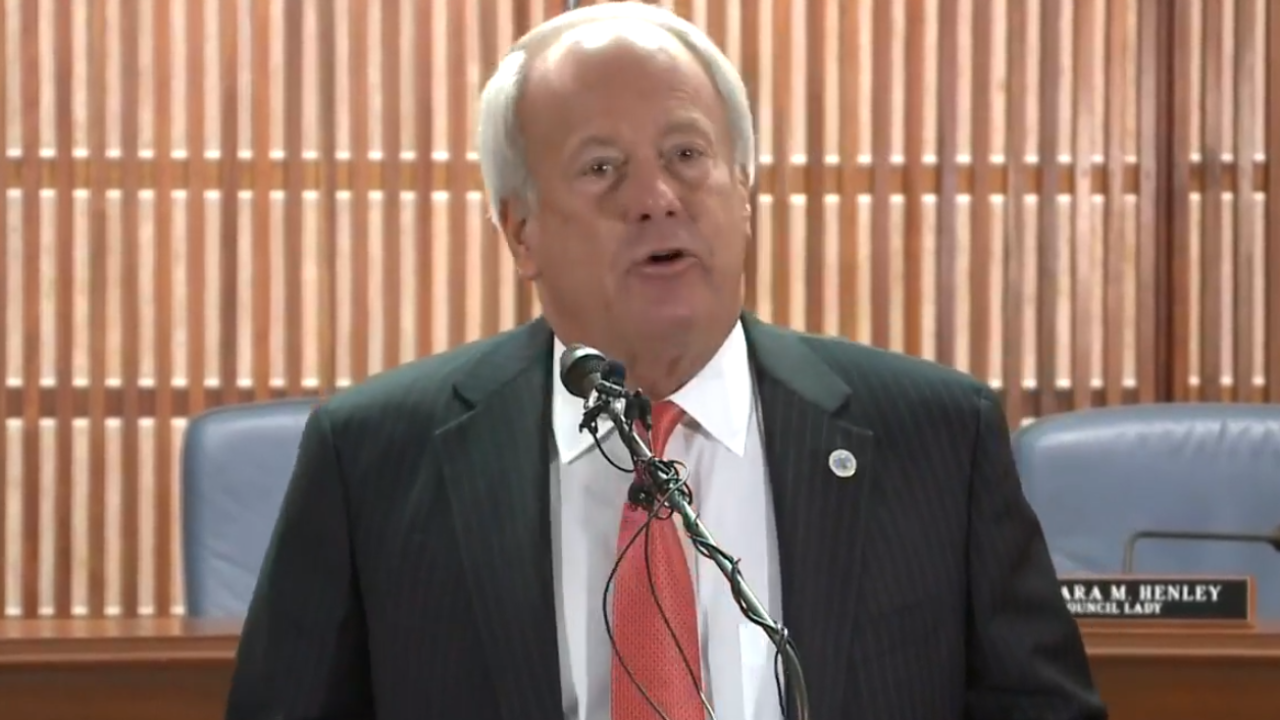 Watch: Virginia Beach Mayor Will Sessoms announces resignation