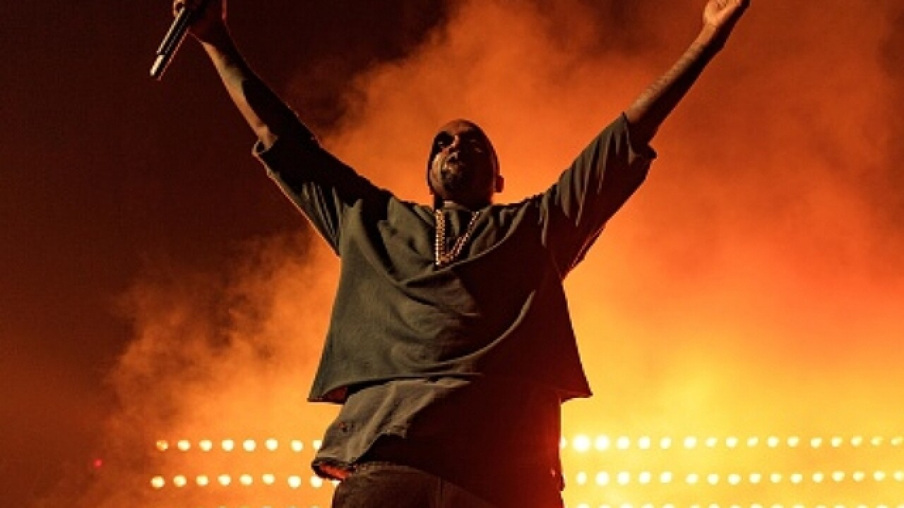 Kanye reschedules concerts after Kim's robbery in Paris