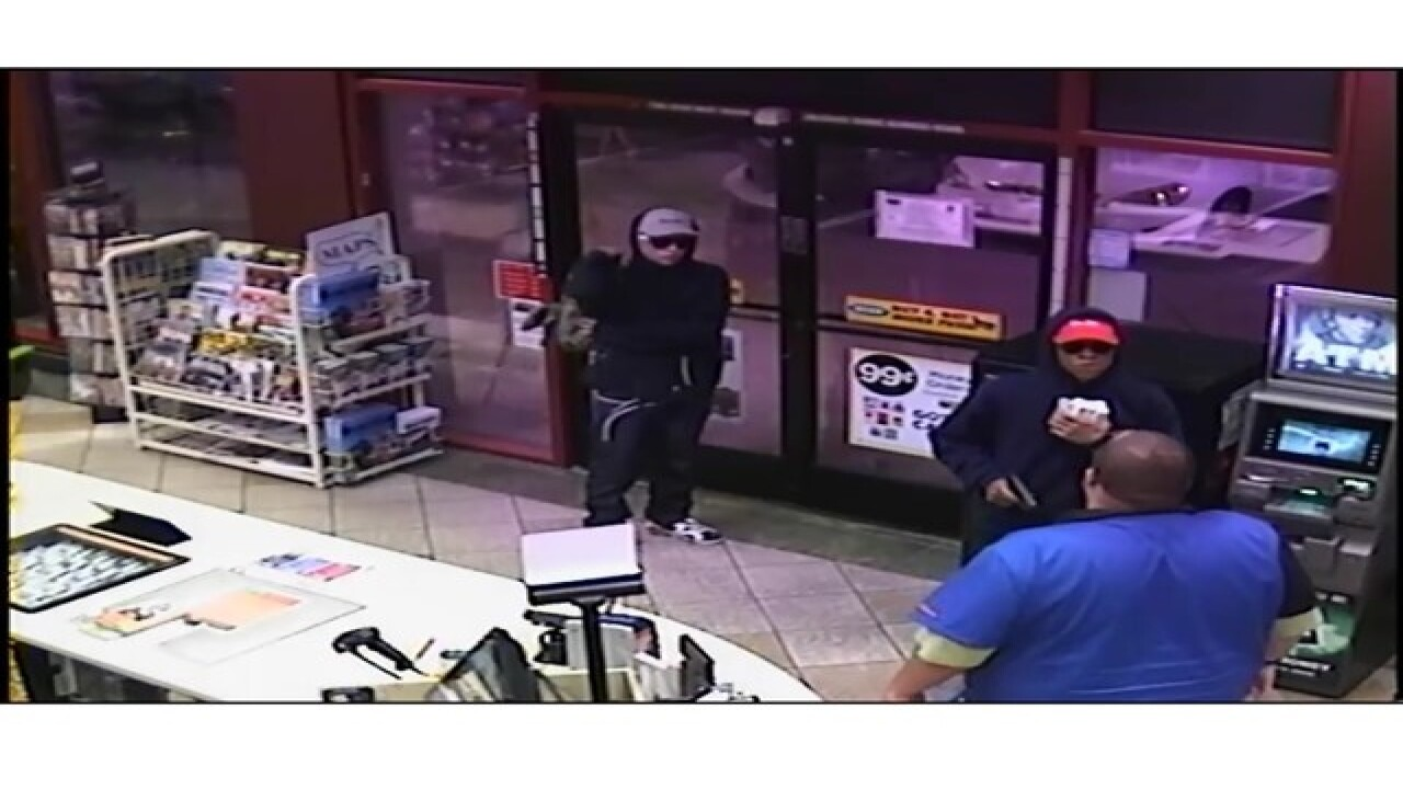 Marana police look for convenience store robbers